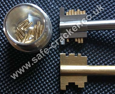 Brattonsound Gub Safe Make-Up Key