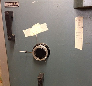 Chubb wall safe combination lock