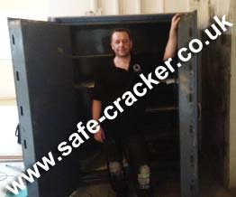 Ratner Twin Door safe Opening